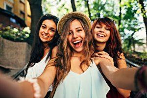3 Friend Captions For Perfect Selfie